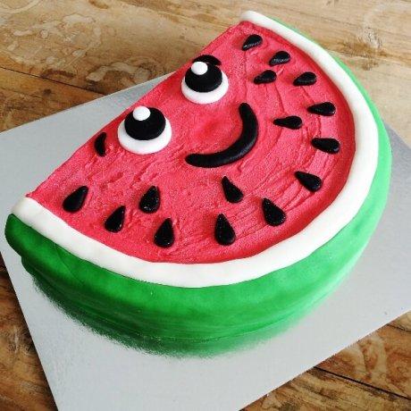 نیم کیک هندوانه