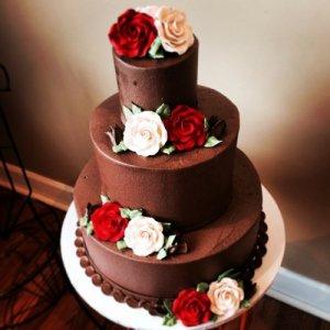 کیک عروسی قهوه ای