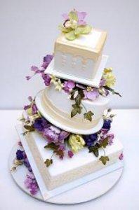 کیک فانتزی کج