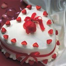 کیک قلبی شکل