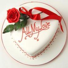 کیک قلبی عاشقانه