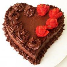 کیک تولد کاکائویی با تم قلب