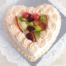 کیک قلبی تولد