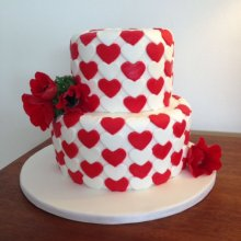 کیک سالگرد ازدواج طرح گل و قلب