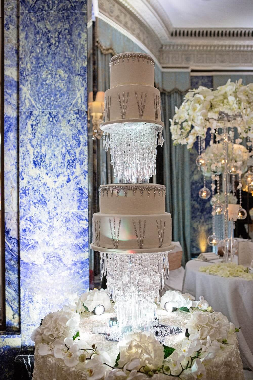 کیک آویز کریستالی میتزی گاینر
