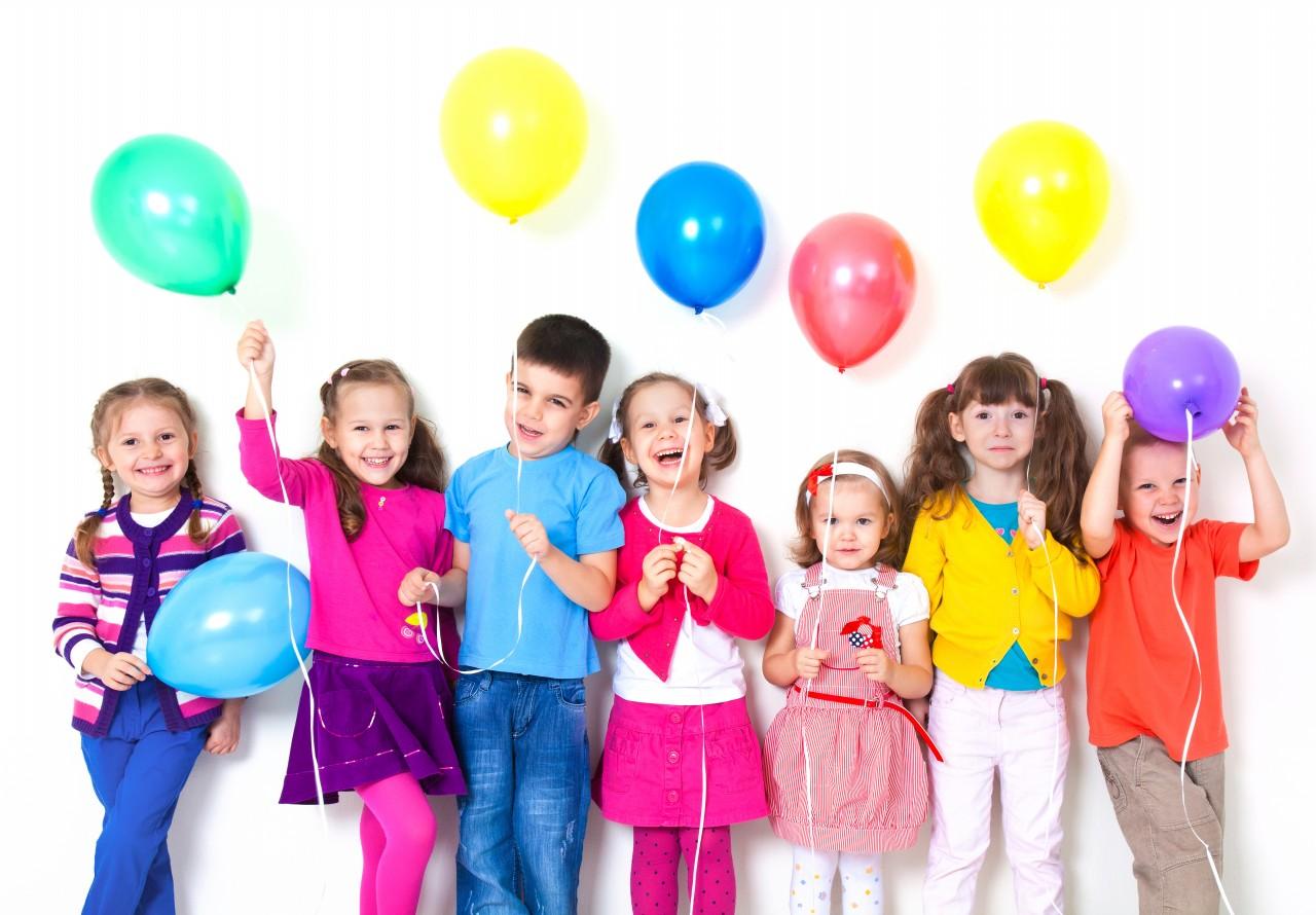 10 راز شاد کردن فرزندان که والدین باید بدانند (1) | کیک ساز