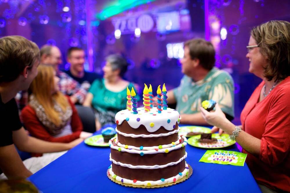 جشن تولد بزرگسالان
